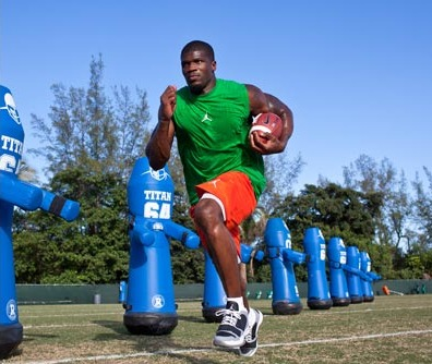 Build a Football Body With the Andre Johnson Workout | Men ...