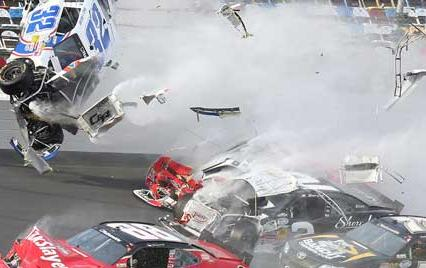 Nascar crash Daytona 500 2013