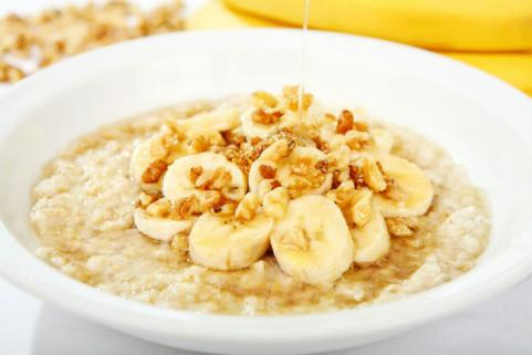 banana nut oatmeal with hone