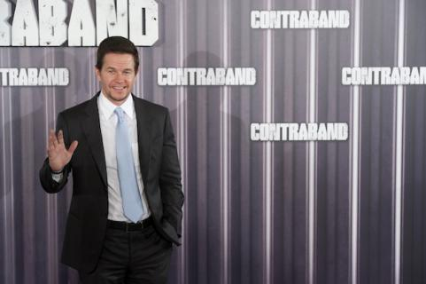 Mark Wahlberg waving