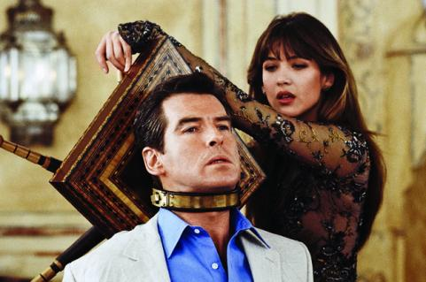 Sophie Marceau as Elektra King