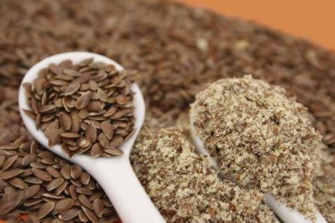 flaxseeds and ground flaxseed