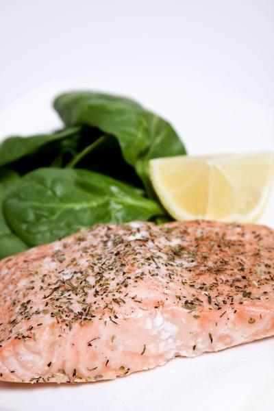 Grilled salmon with spinach