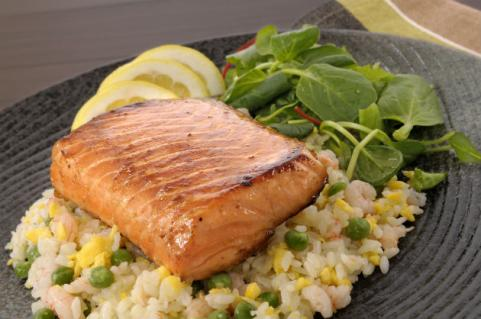 terriyaki salmon on bed of rice