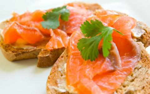 Whole Wheat Toast with Salmon