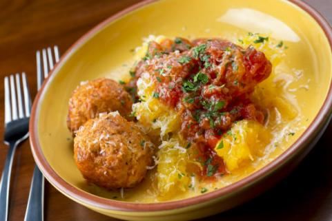 spaghetti squash with meatballs