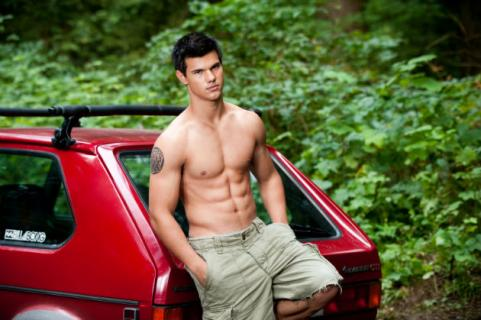 Chris Colfer Appreciation Thread!--part 5 - Page 39 Taylor-lautner-car