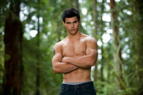 shirtless taylor lautner in the woods