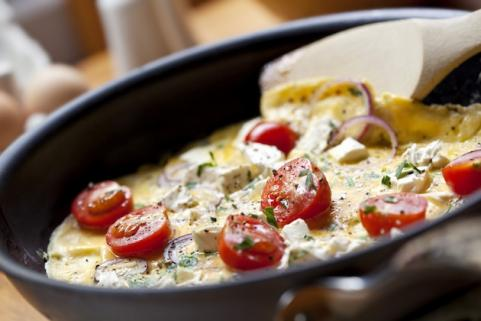 Egg white, feta, and tomato omelet 
