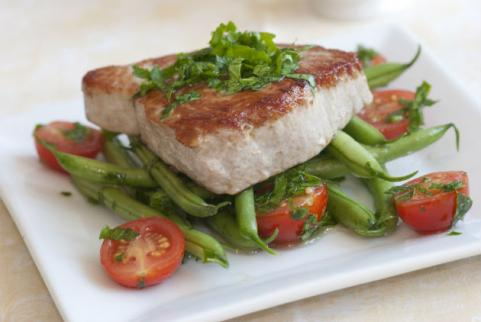tuna steak and vegetables