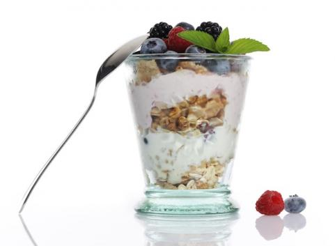 yogurt parfait with granola and fruit