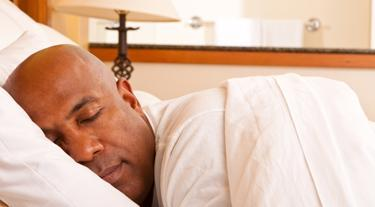A new study shows that men who chronically skimp on sleep show signs of accelerated aging in the brain.