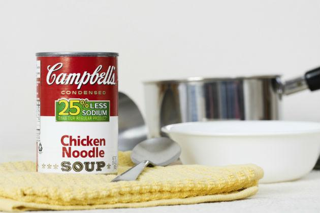can of cambell&#039;s chicken noodle soup