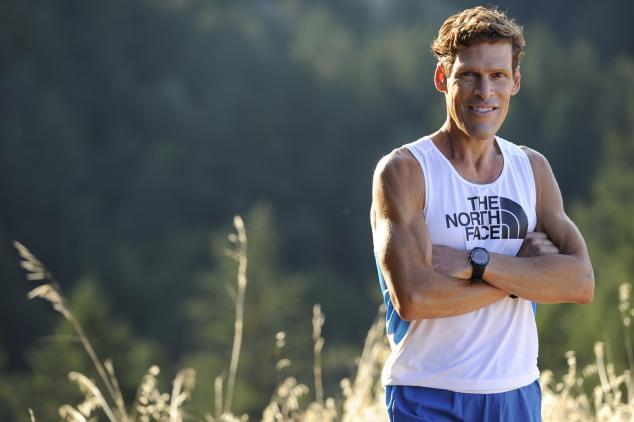 Ultramarathoner Dean Karnazes in Field