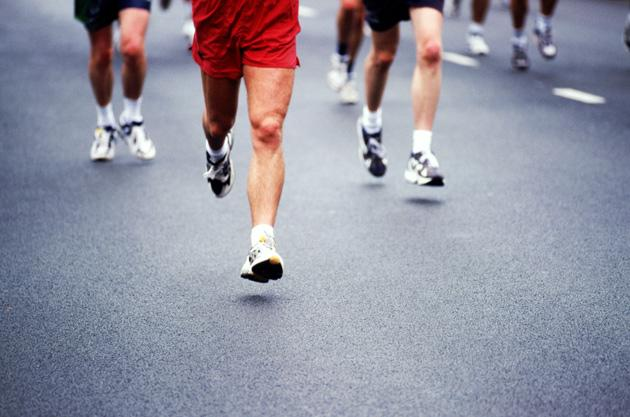 men running a half marathon