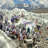 Runners at Mount Everest