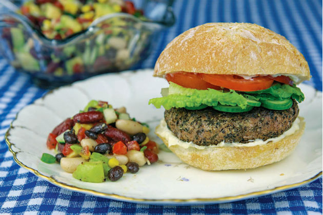 lean burger with bean salad