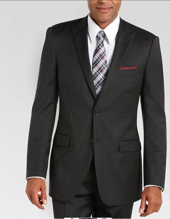 Ask Men's Fitness: What's a Good Off the Rack Suit?